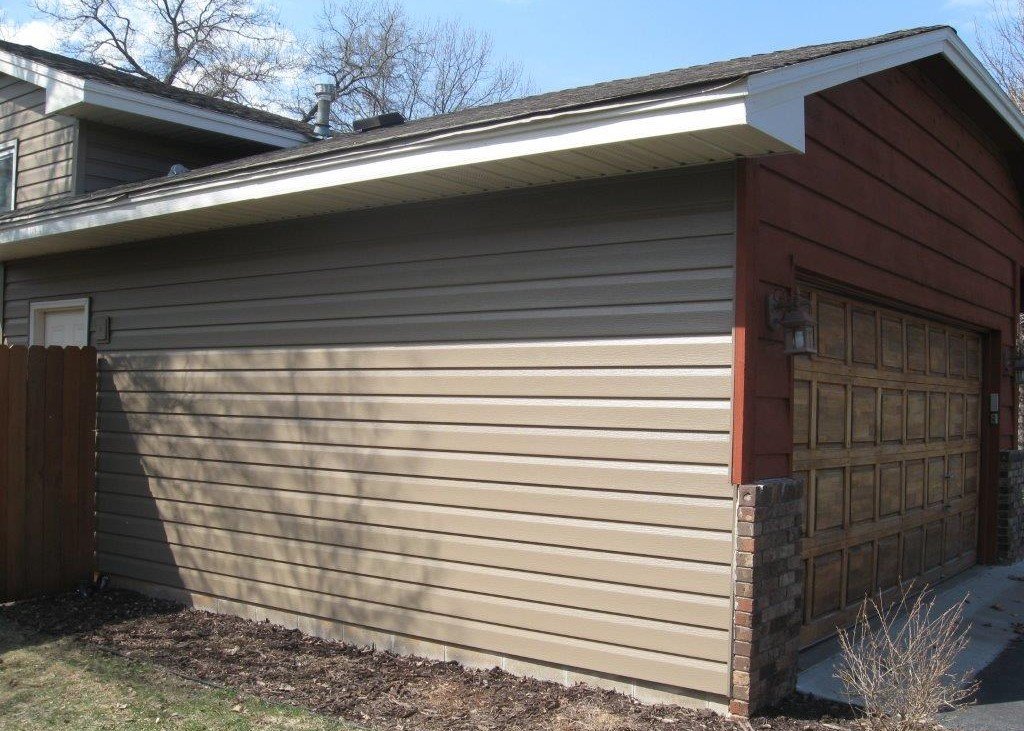ABC Seamless Steel Siding with Cedar Front