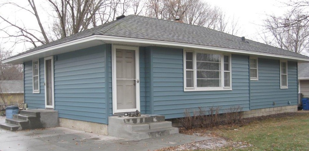 steel-home-siding-in-heritage-blue