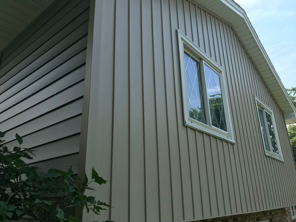 Vertical Seamless Steel Siding