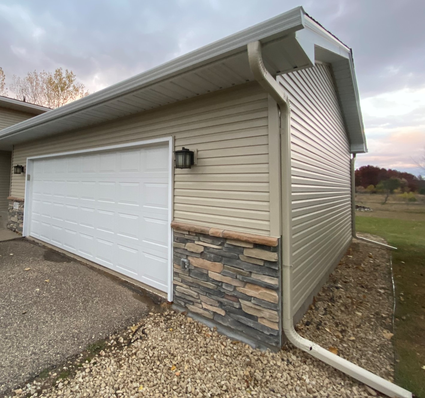 Seamless Steel Siding & Stone in East Bethel