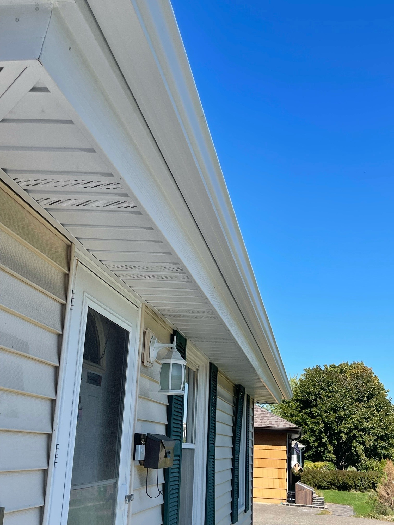 Soffit Fascia Seamless Gutters in New Hope